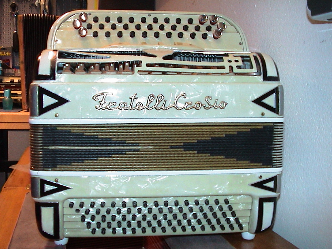 0037 Fratelli Crosio 80 Bass - Restauration.jpg